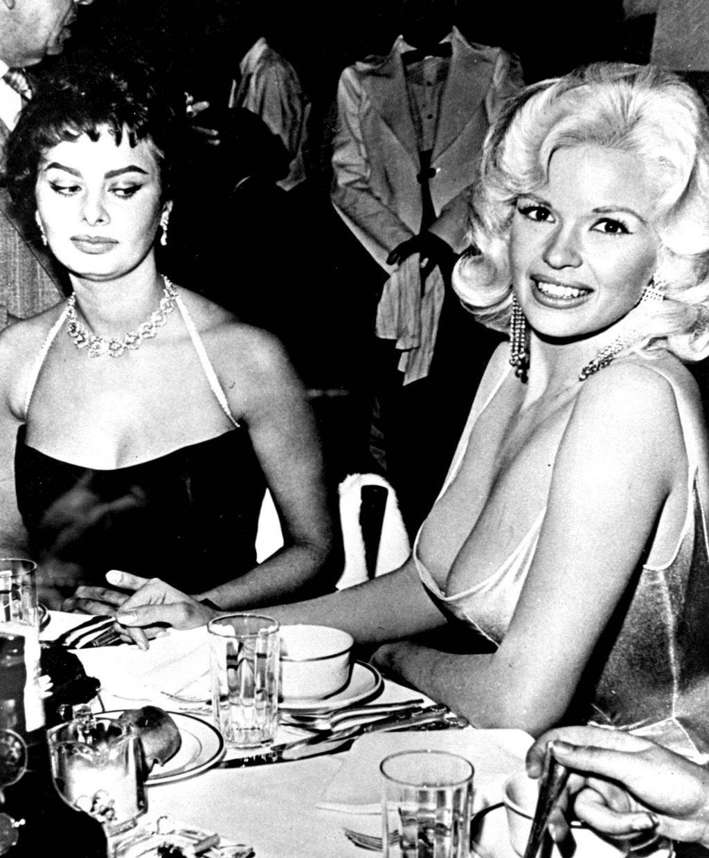 Legendarna fotografija Sophije Loren i Jayne Mansfield