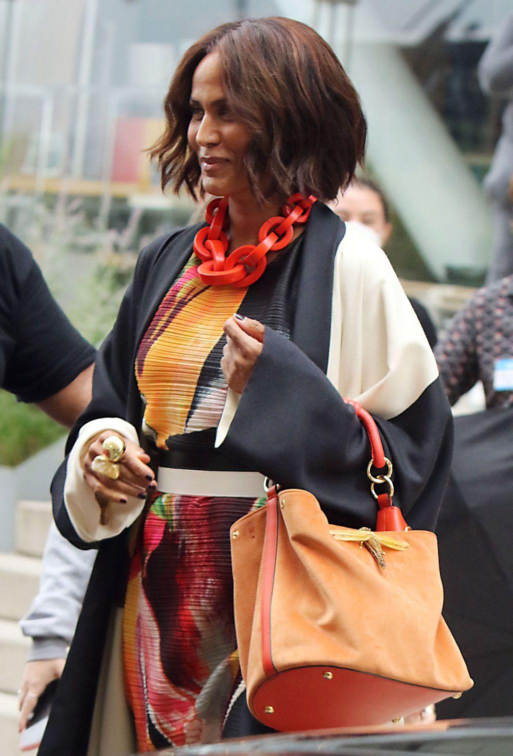 Glumica Nicole Ari Parker na setu nosi prsten dizajnerice Ane Srdić