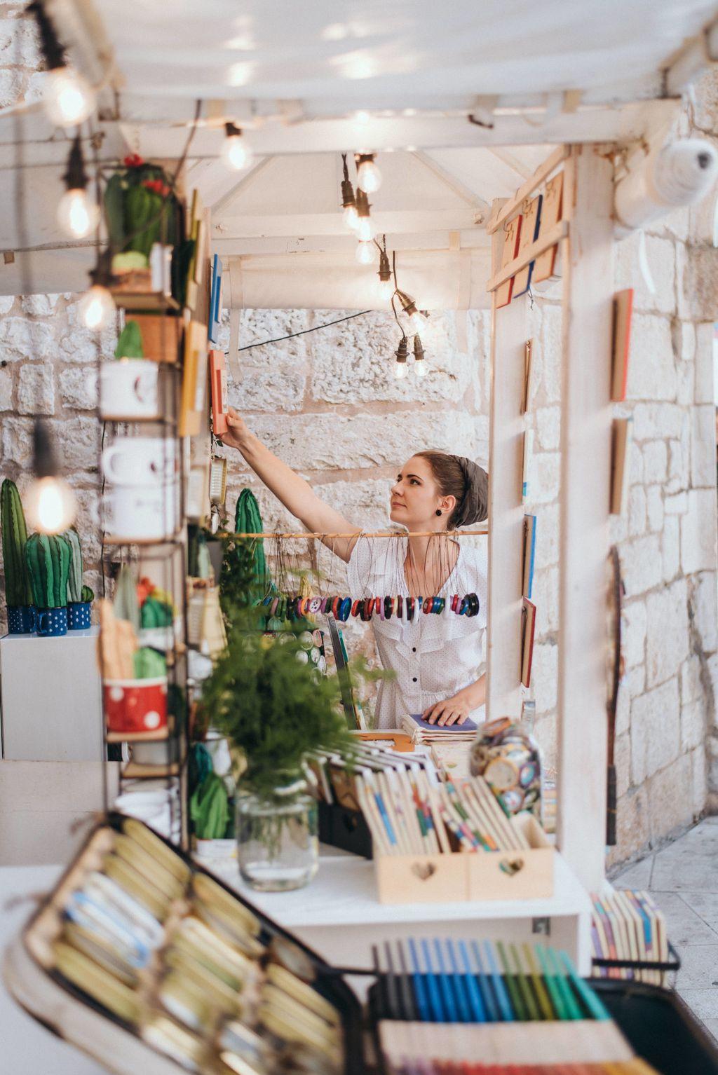 Marta Lučin iz Trogira izrađuje kaktuse od recikliranih materijala i odbčenih predmeta - 10