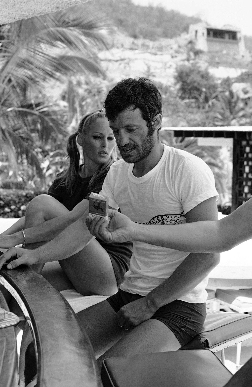 Ursula Andress i Jean-Paul Belmondo 1967. na ljetovanju