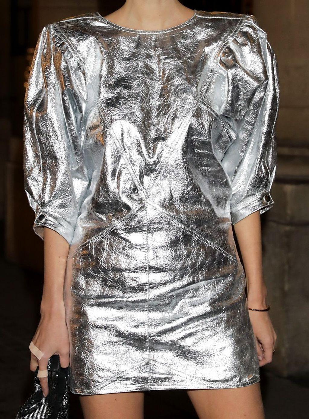 Metalik-haljina