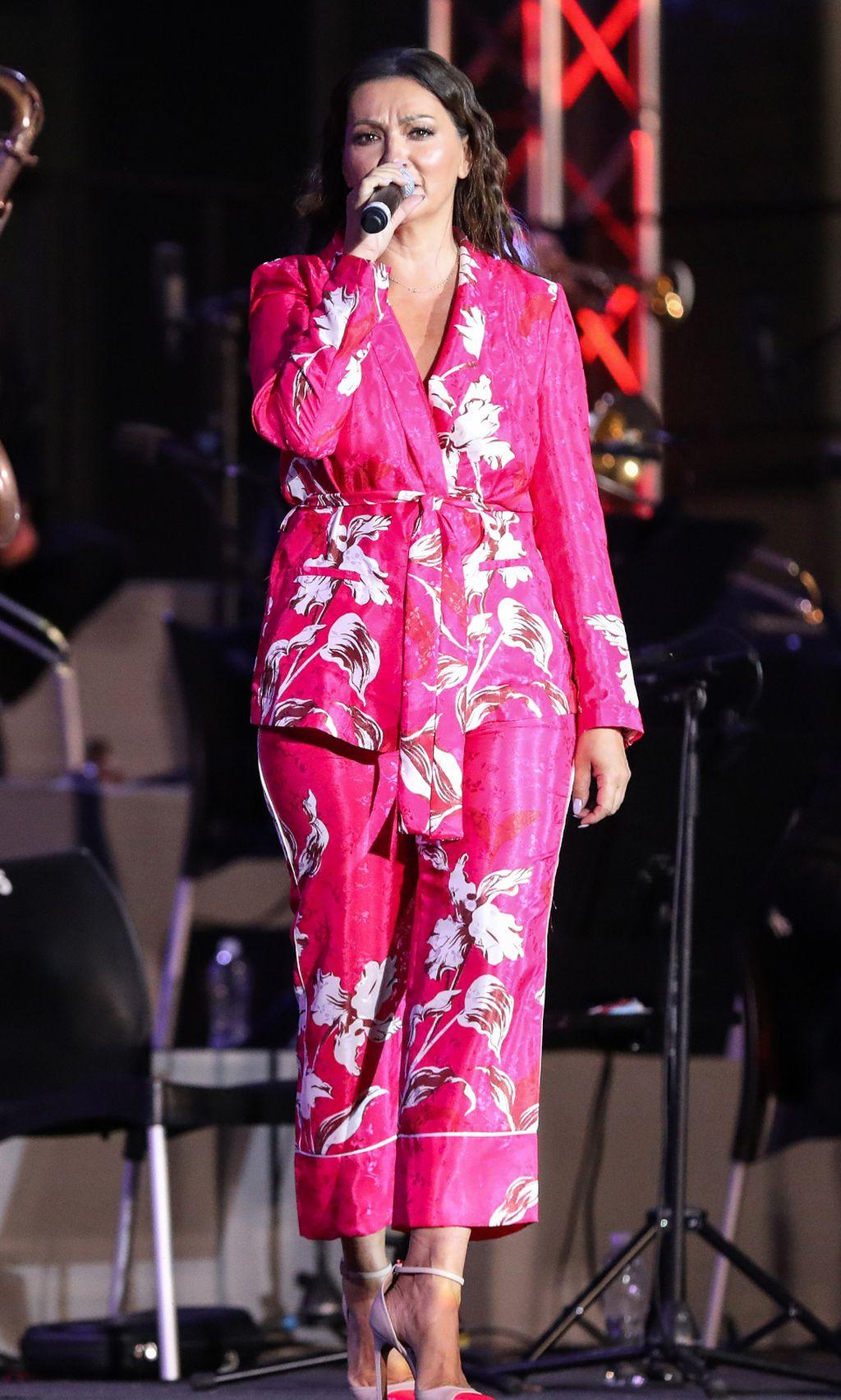 Nina Badrić u pidžama-odijelu iz Zare - 1