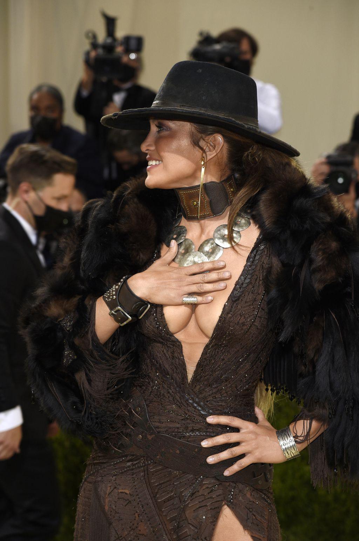 Jennifer Lopez u haljini Ralpha Laurena na Met Gali - 6