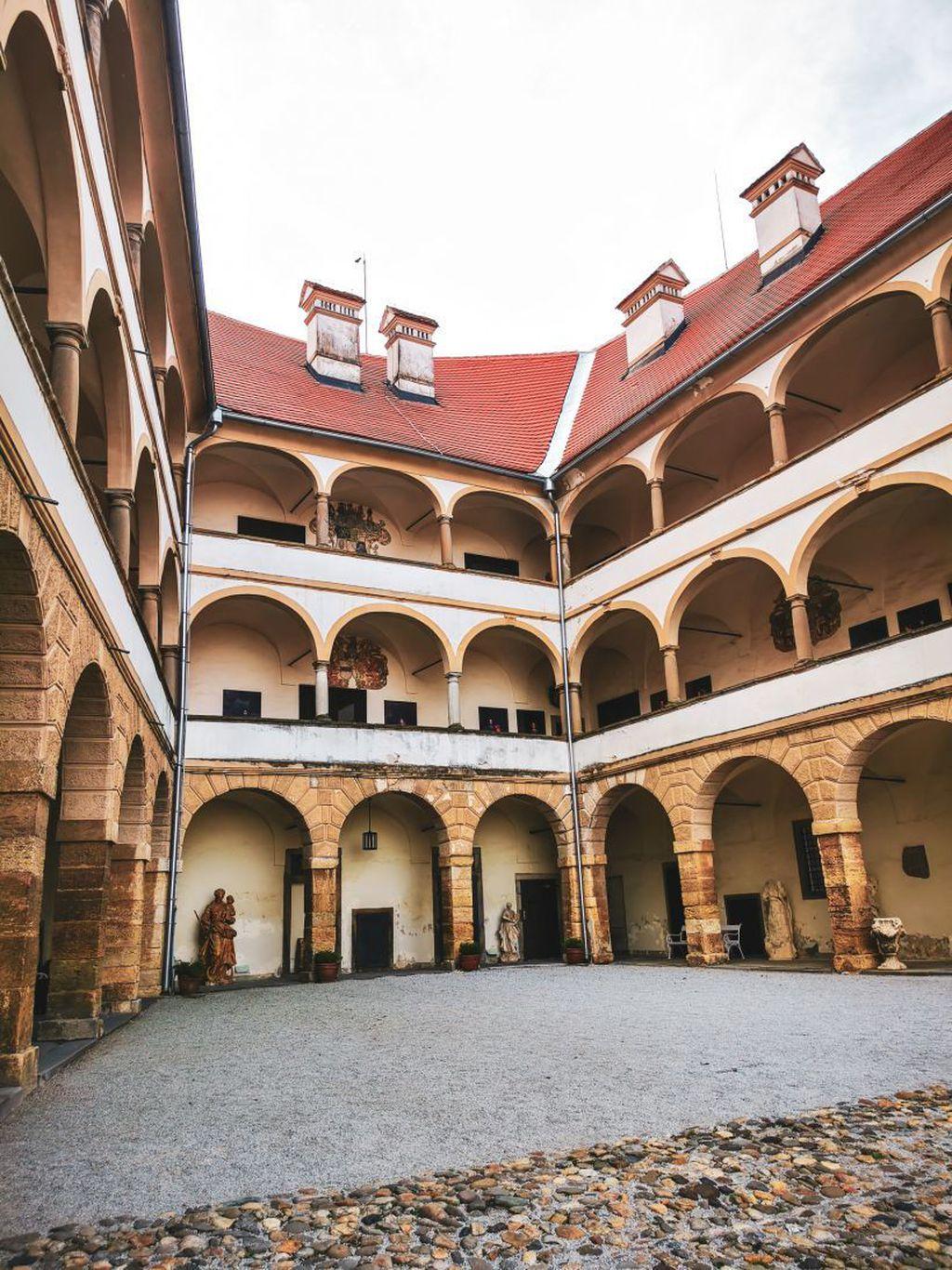 Living castles - dvorac Ptuj - 8