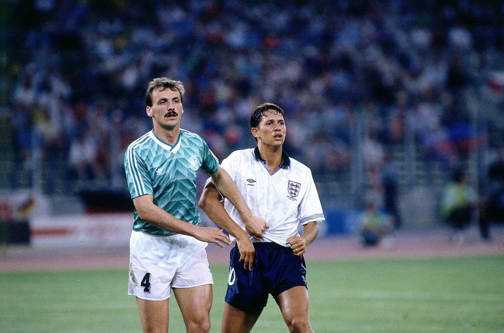 Jürgen Kohler i Gary Lineker u polufinalu SP-a 1990.