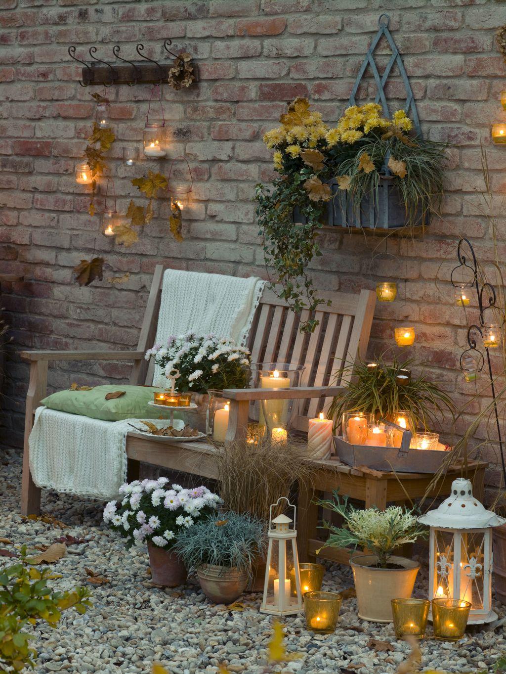 Večernja atmosfera na terasi u jesen