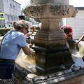 Građani traže osvježenje od vrućina na fontanama (Foto: Ivo Cagalj/Pixsell)