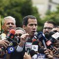Oporbeni vođa Juan Guaido krenuo po pomoć (Foto: AFP)