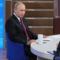 Putinova \'\'Direktna linija\'\' (Foto: AFP) - 2