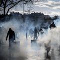 Sukobi Žutih prsluka i policije u Parizu, ilustracija