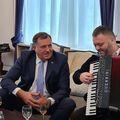 Milorad Dodik doveo harmonikaša na Predsjedništvo BiH - 3