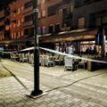 Policijski očevid ispred kafića u kojem je došlo do krvavog obračuna (Foto: Televizija Zapad)