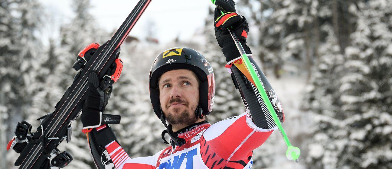 Marcel Hirscher slavi pobjedu (Foto: AFP)
