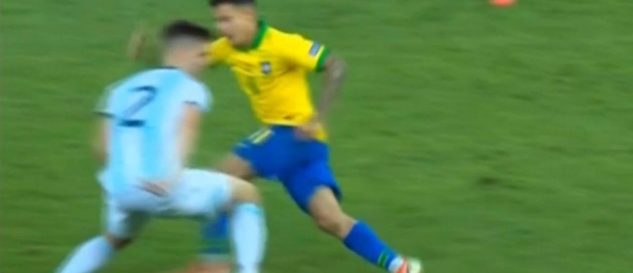 Foyth protiv Coutinha (Foto: Screenshot)