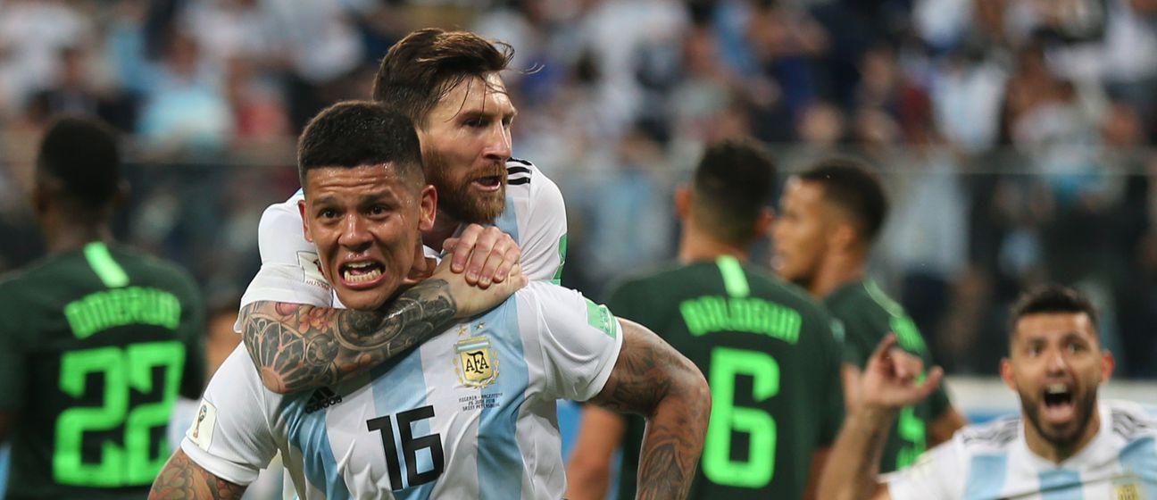 Marcos Rojo i Lionel Messi slave pogodak (Foto: AFP)