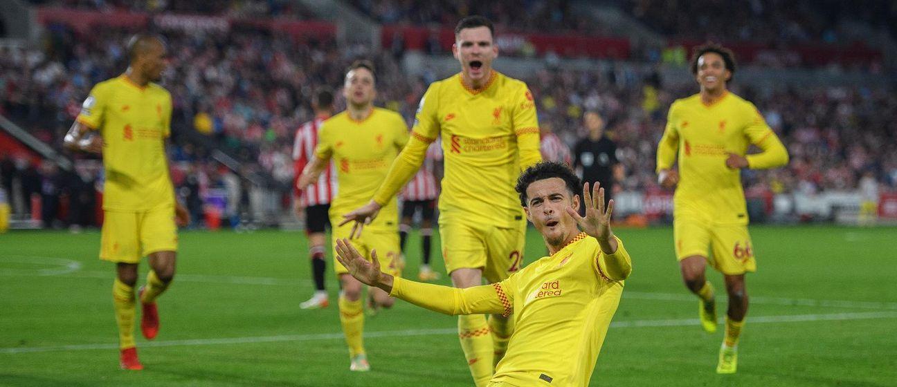 Slavlje Curtisa Jonesa i igrača Liverpoola