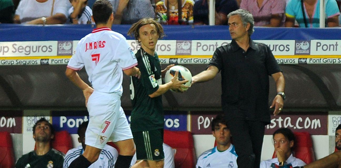 Luka Modrić i Jose Mourinho (Foto: AFP)