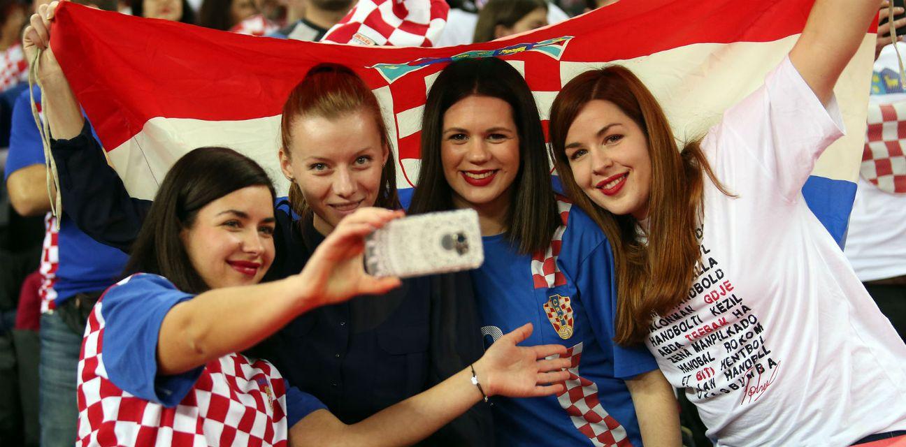 Navijači na utakmici Hrvatska - Norveška (Photo: Igor Kralj/PIXSELL)