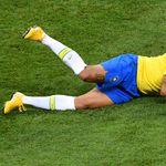 Neymar na tlu