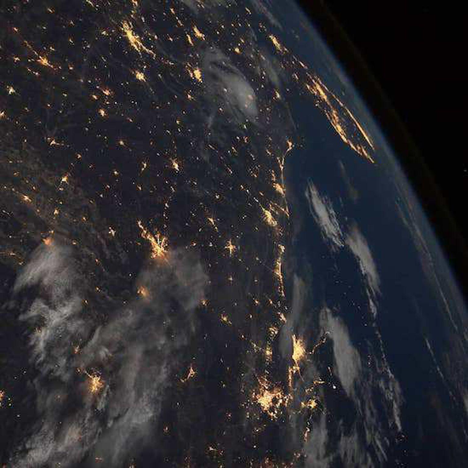первую фотографии из космоса в инстаграмме то, что назначение