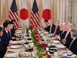 Administracija Donalda Trumpa na večeri s administracijom japanskog premijera Shinzo Abea (Foto: AFP)
