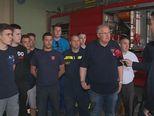 Dražen Glavina, županijski vatrogasni zapovjednik, i Mario Jurič (Foto: Dnevnik.hr) - 2