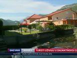 Turisti uživaju u Dalmatinskoj zagori (Video: Dnevnik Nove TV)