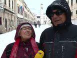 Dubrovčani oduševljeni snijegom (Video: Dnevnik.hr)
