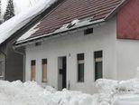 Snijeg koji se topi za sobom povlači i krovove (Foto: Marko Balen) - 2