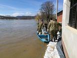Poplava u Hrvatskoj Kostajnici (Video: Dino Goleš/dnevnik.hr)