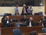 Ratko Mladić vikao u sudnici (Foto: Dnevnik.hr)
