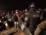 Teška noć za izbjeglice (VIDEO: AP)