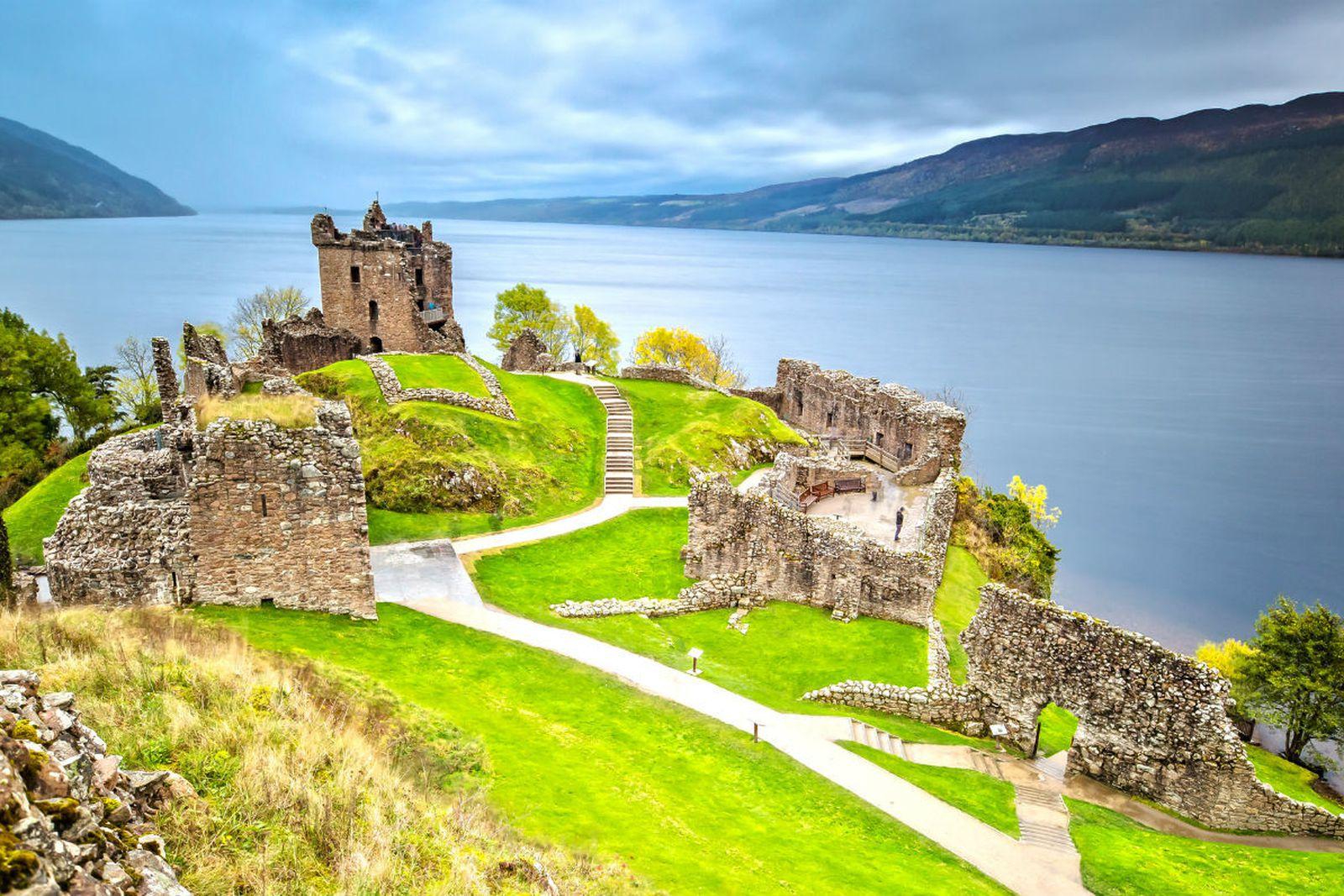 Izlazi u Edinburgh Škotskoj