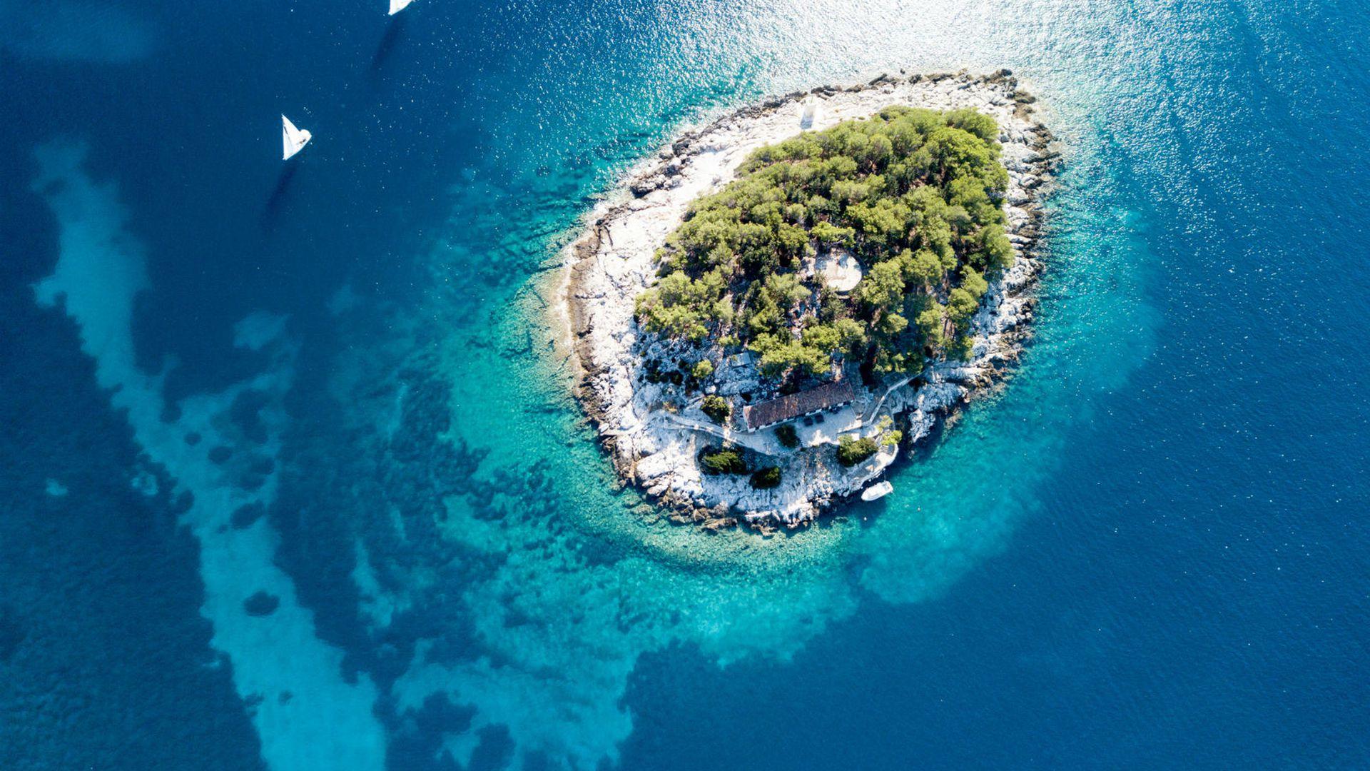 Ima se, može se Pronašli smo 10 ponuda za jeftiniji odmor na Jadranu Kako je sezona lagano pri kraju, iskopali smo 10 ponuda s kojima biste mogli dobiti najviše za vaš novac... NASTAVI ČITATI