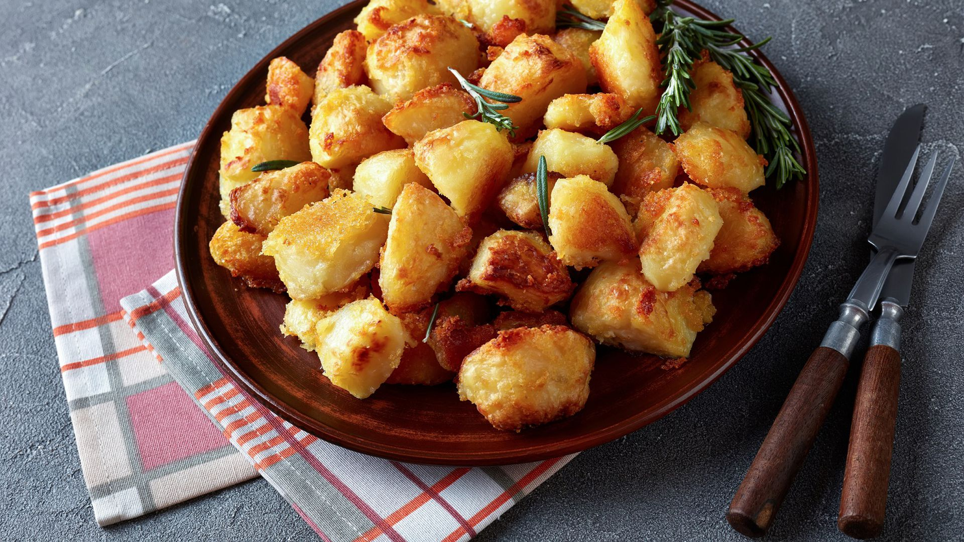 tako jednostavno trik od 1 kune uz koji pečeni krumpir postaje neodoljivo hrskav