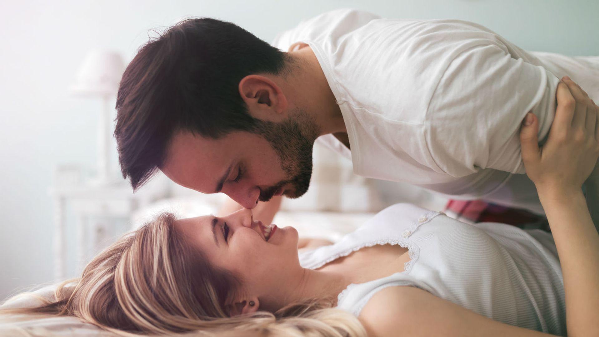 zašto žena curi za vrijeme seksa veliki magarci veliki penis porno