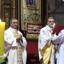 Kardinal Bozanić služio misu na Uskrs u katedrali (Foto: Marko Lukunic/PIXSELL) - 2