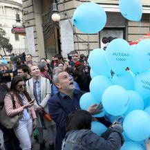 Puštanje plavih balona (Foto: Patrik Macek/PIXSELL)