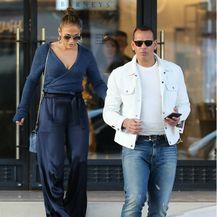 Jennifer Lopez u 'nezgodnoj' odjevnoj kombinaciji