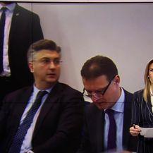 Premijer okupio stranački vrh (Video: Vijesti u 17h)
