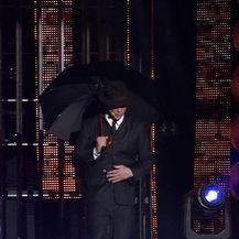 Matko Knešaurek kao Gene Kelly - Singing In The Rain (Video: TLZP)