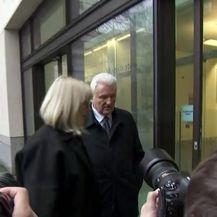 Ivica Todorić stigao u pratnji supruge Vesne na sud u Londonu (Video: Dnevnik.hr)