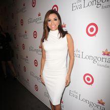 Eva Longoria u bijelim haljinama - 13