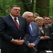 Milorad Dodik na komemoraciji žrtvama jasenovačkog logora u Donjoj Gradini (Foto: Dnevnik.hr)