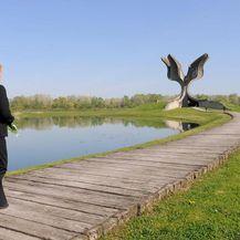 Kolinda Grabar-Kitarović u Jasenovcu (Foto: Ured PRH)