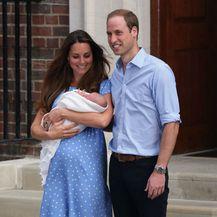 Catherine Middleton na izlasku iz rodilišta nakon rođenja princa Georgea - 4