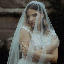 Kampanja za novu kolekciju Lukabu vjenčanica snimljena u zaboravljenoj vili Batory u Osijeku - 3