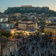 Velik broj gostiju na grčkim ulicama