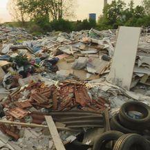 Građani su bijesni jer divlji deponiji još uvijek nije saniran (Foto: Dnevnik.hr) - 2