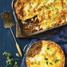 Bolonjez zapecite s tjesteninom ili stavite u lasagne